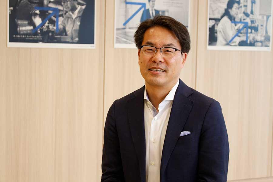 弥生株式会社 代表取締役 岡本 浩一郎
